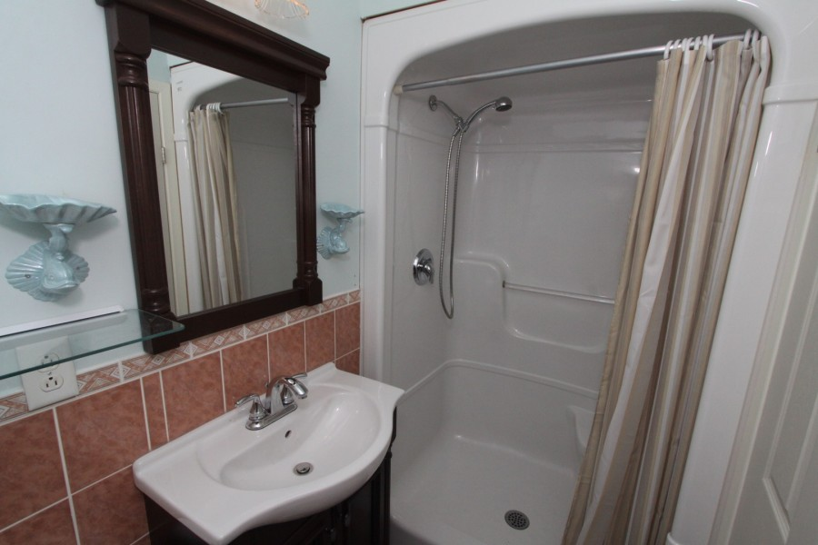 Bathroom 2 - Upper Level