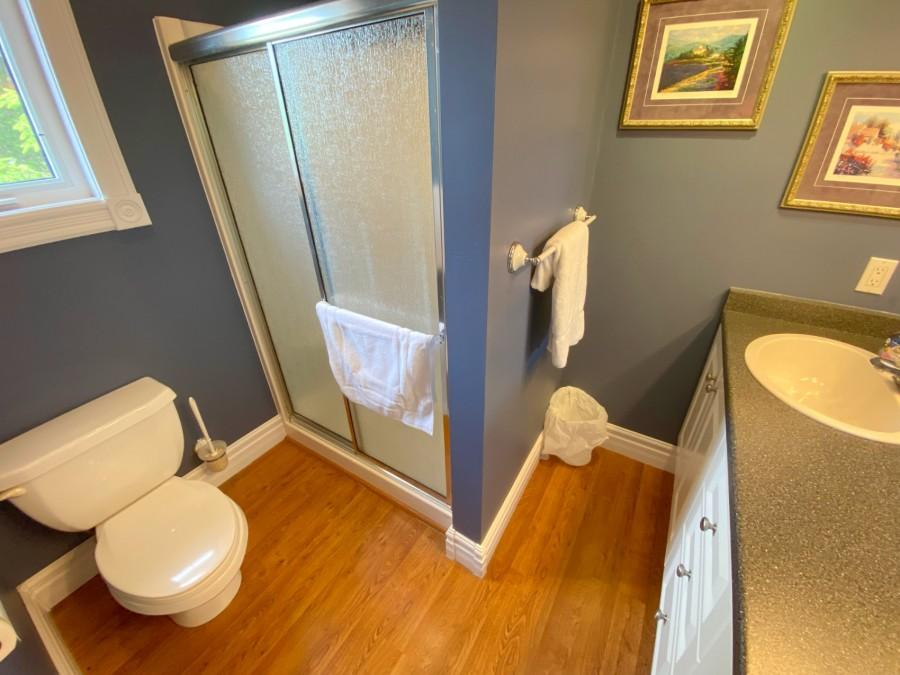 Bathroom 1 - En-Suite