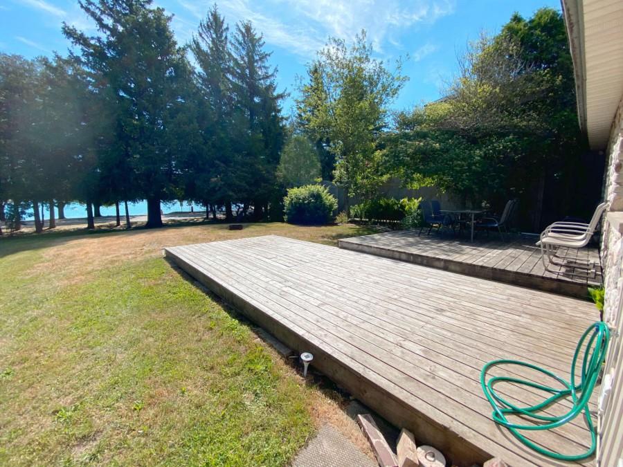 Deck - Facing Beach