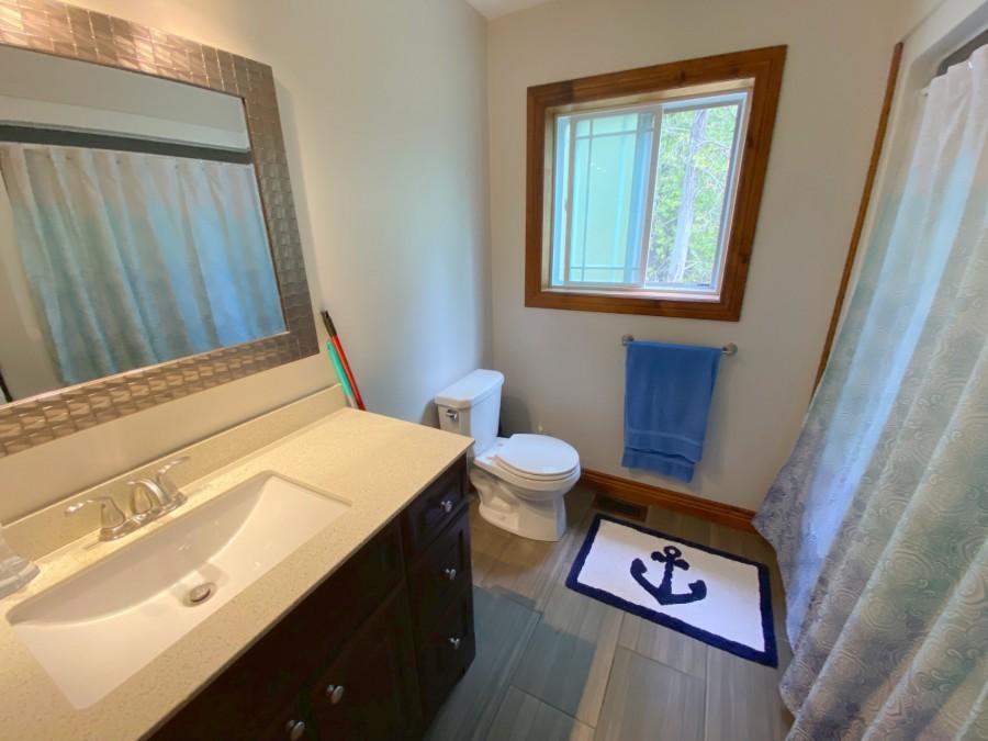 Bathroom - Main Floor